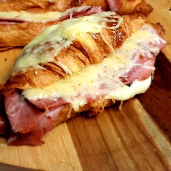 croissant-jambon-cru-auvergne